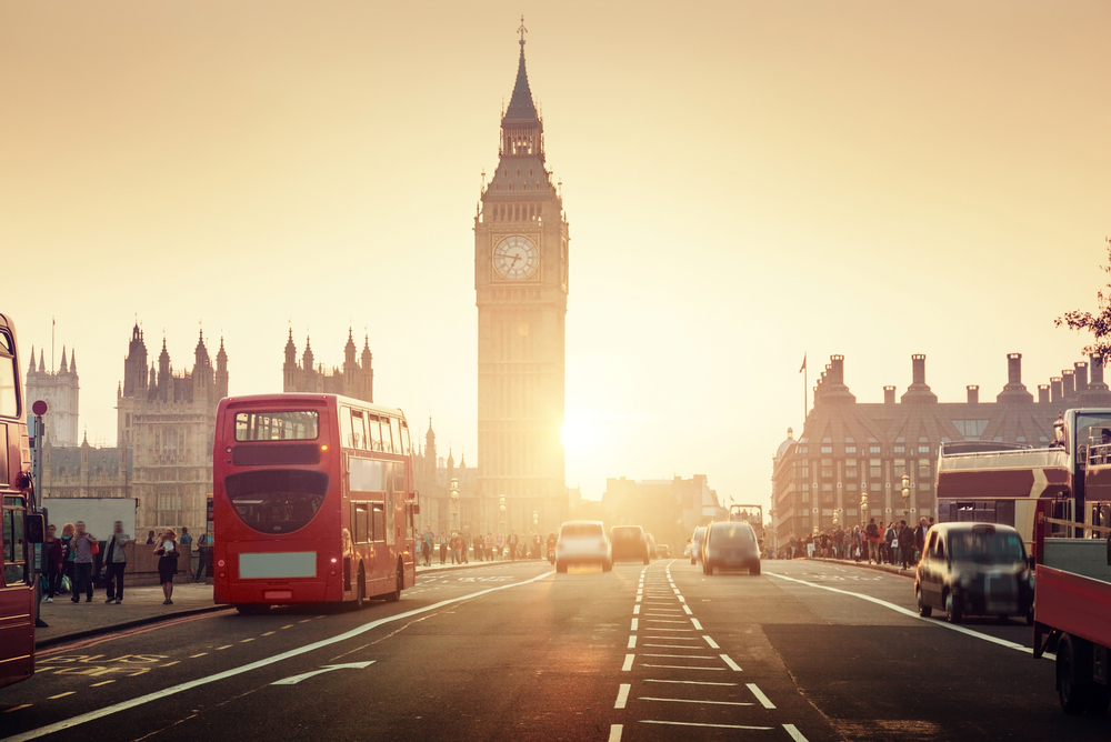Westminster Bridge at sunset, London, UK |© ESB Professional/Shutterstock