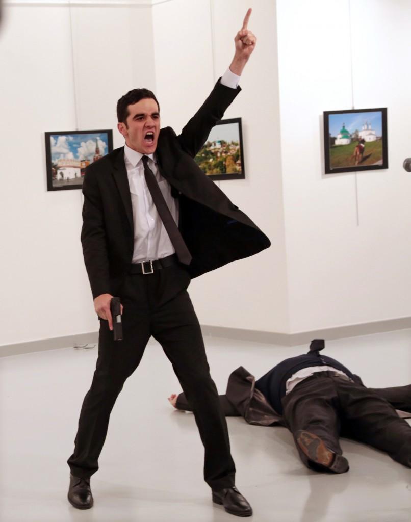 An Assassination in Turkey   © Burhan Ozbilici / 'The Associated Press'