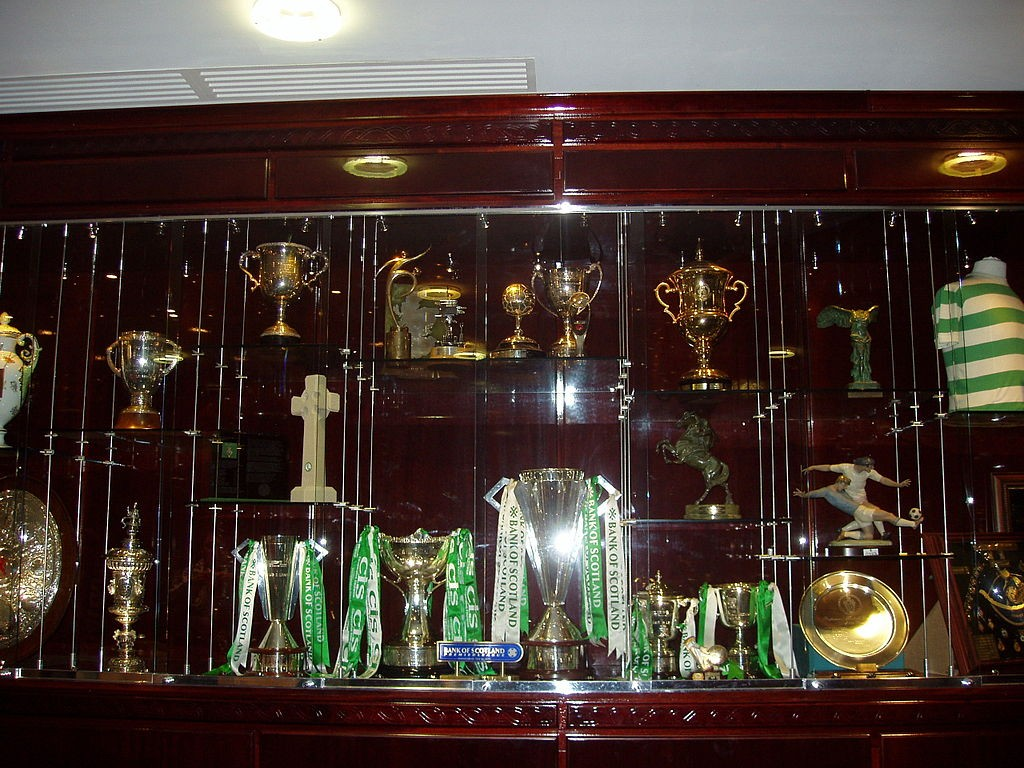 Celtic FC Trophy Case | © WikiCommons