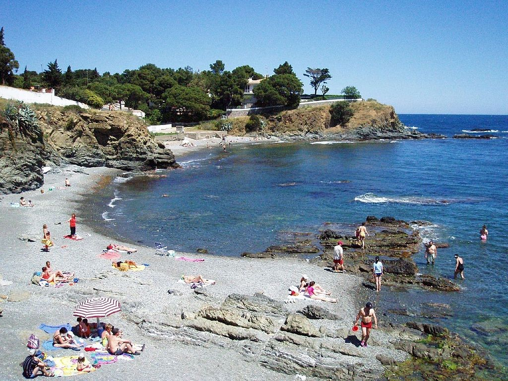 Llançà Beach, Costa Brava   ©Hector Garcia / Wikimedia Commons