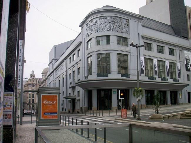 Porto Teatro Rivoli © AntoniusJ / Wikimedia Commons