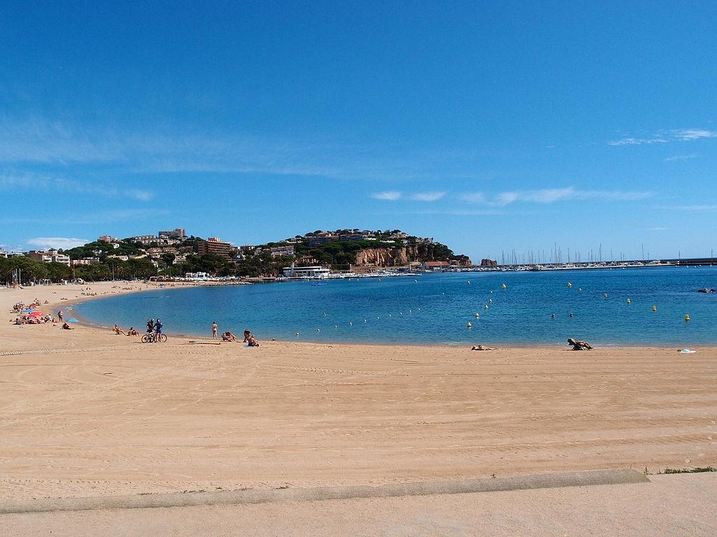 Sant Feliu de Guíxols, Costa Brava, Spain   ©Gordito1869 / Wikimedia Commons