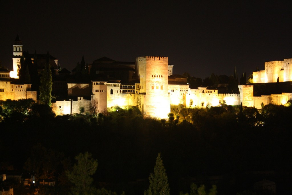 El Camborio has stunning views of the Alhambra at night; michimaya, flickr
