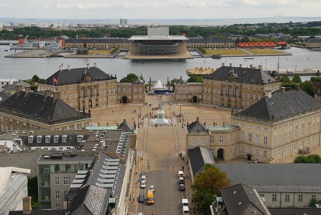 Amalienborg Palace   © Rob Deutscher / Wikimedia Commons