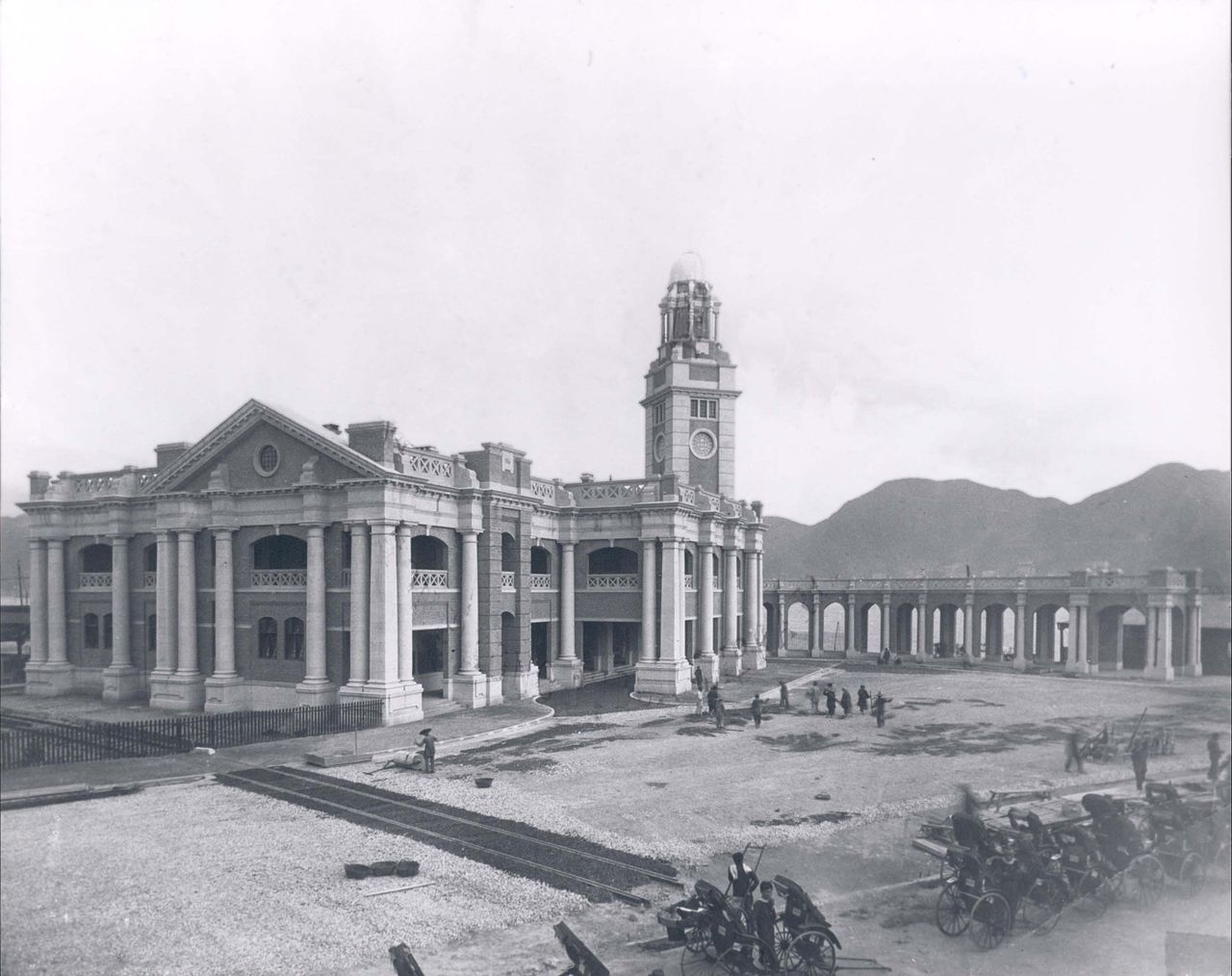 Kowloon Station and Clock Tower | Wikimedia Commons