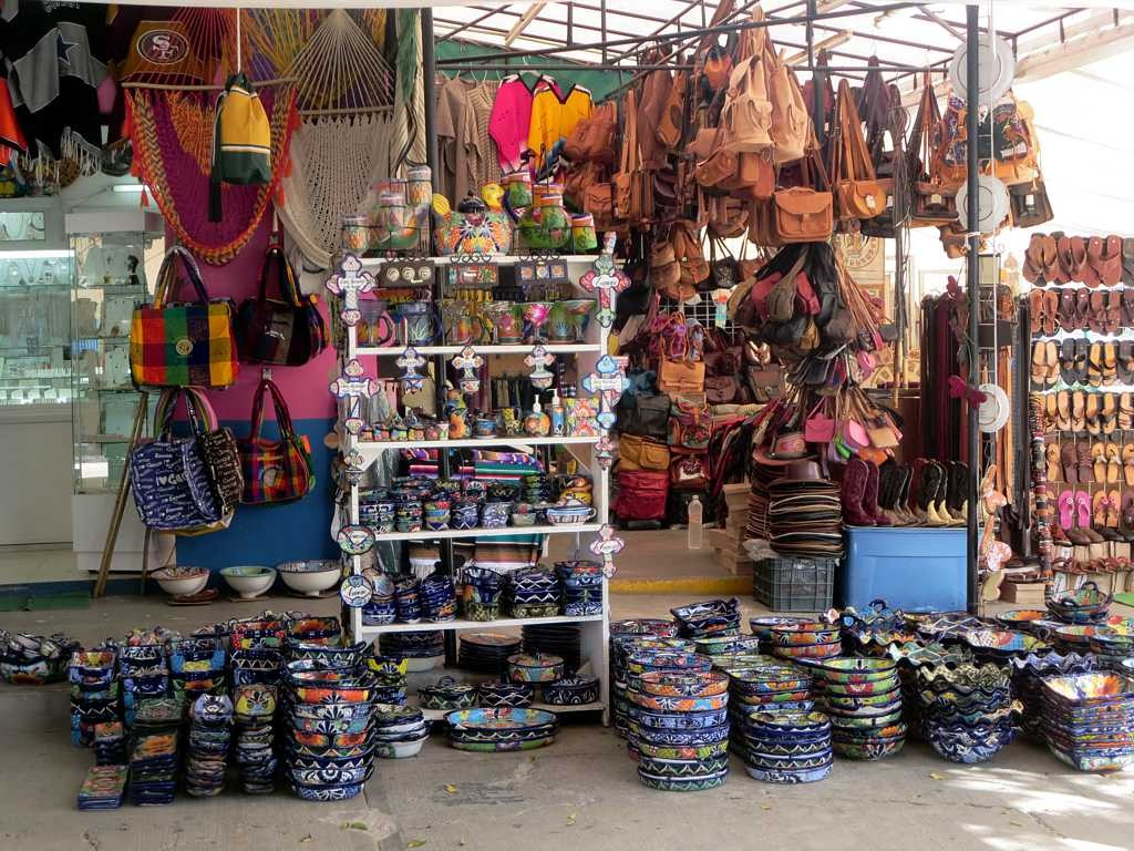 Leather goods in Cancún | © David Stanley/Flickr
