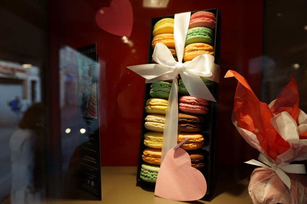 The patisserie Jean-Luc Pelé is well known for its macarons in fancy packaging | © Daniel70mi Falciola