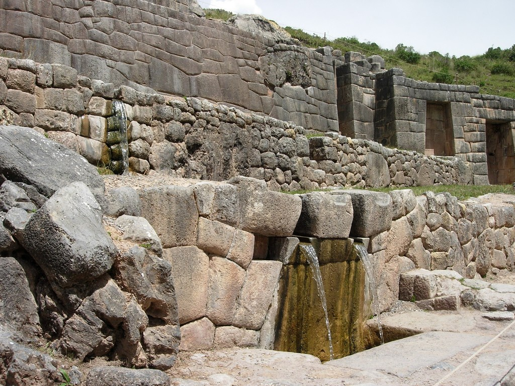 The Inca water temple Tambomachay | © Julio Martinich/Flickr