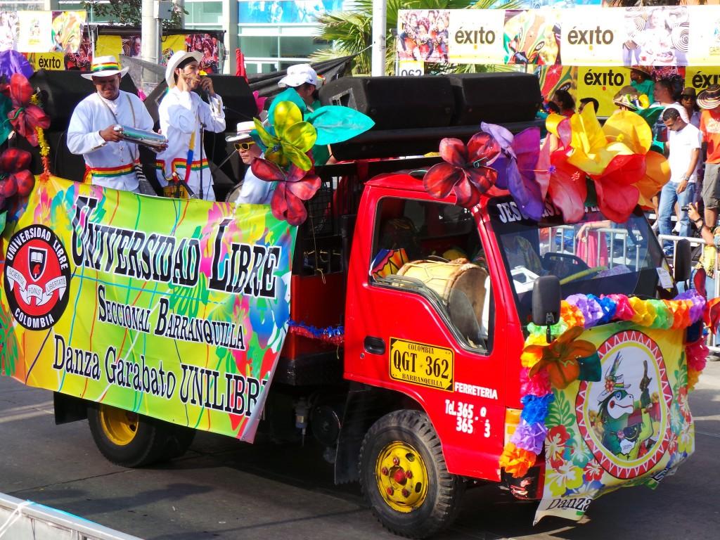 Cumbia played at maximum volume | © Carnaval.com Studios / Flickr