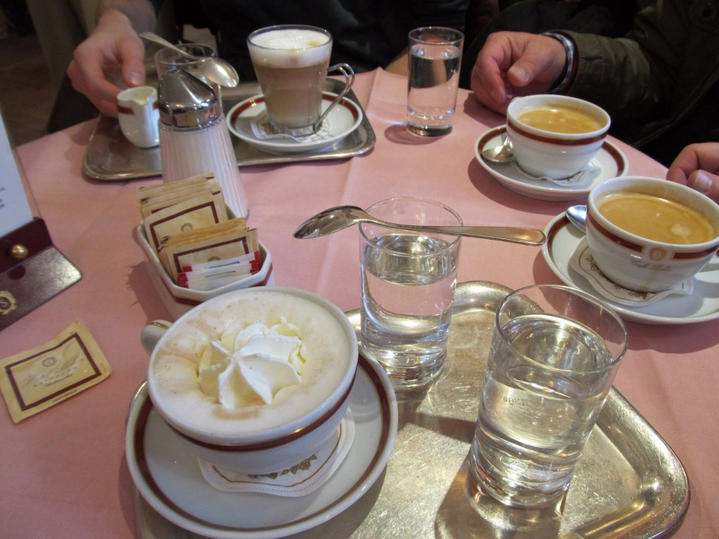 Coffee time at Cafe Sacher | © Susanne Tofern / Flickr