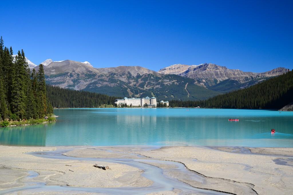 Lake Louise in Banff National Park | © Ilya Katsnelson / Flickr