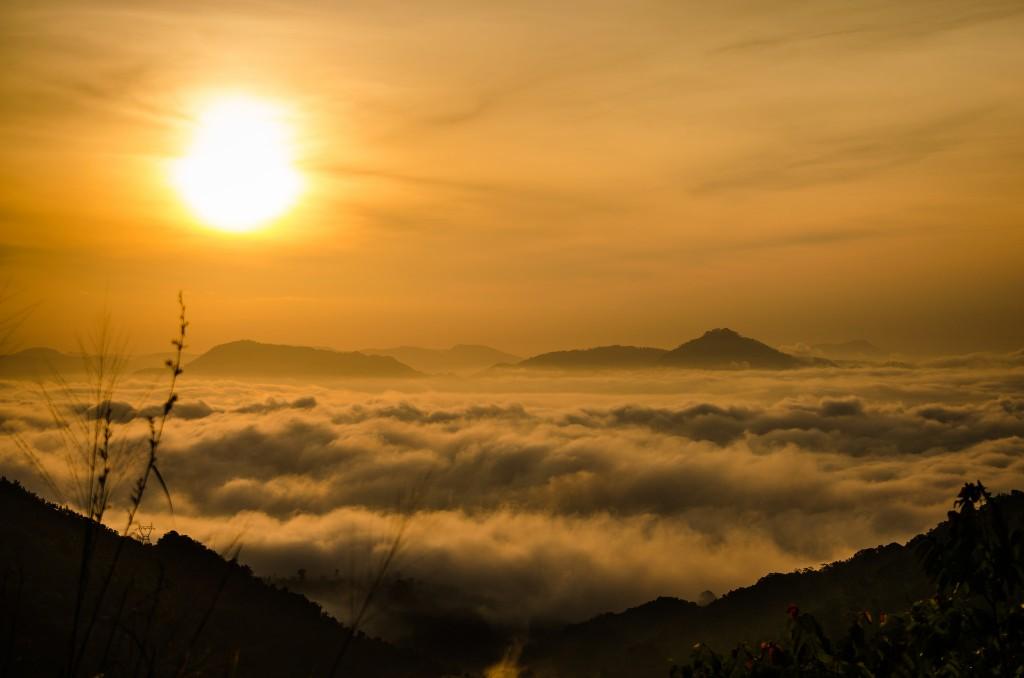 Sunrise   © Uditha Wickramanayaka / Flickr