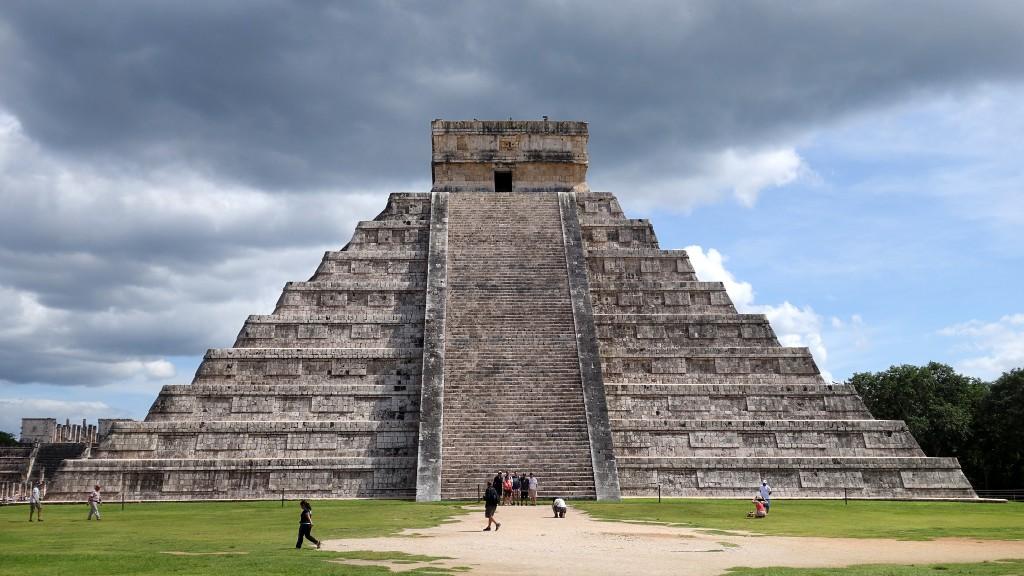 5 Must-Visit Mayan Ruins Near Cancun, Chichen Itza |©Paul Simpson/Flickr