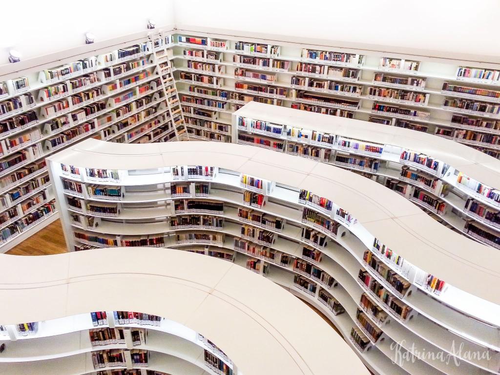 library@orchard | © katrina.alana/Flickr