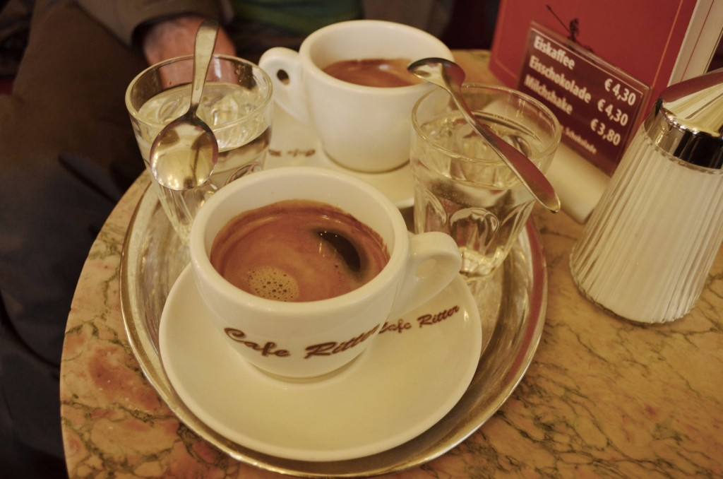 Cafe Ritter coffee tray | © Nick / Flickr