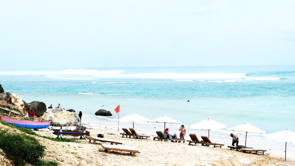 Tourists at Pandawa Beach | © .angels. / Flickr