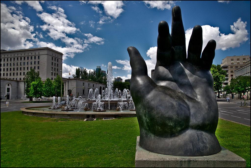 """The Hand"" sculpture by Botero in Madrid | © Stefan Schmitz/Flickr"