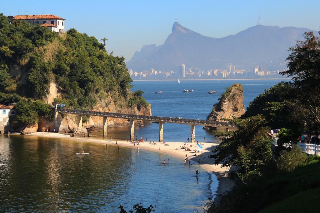 Convent and Boa Viagem beach, Rio de Janeiro   © Marinelson Almeida / Flickr