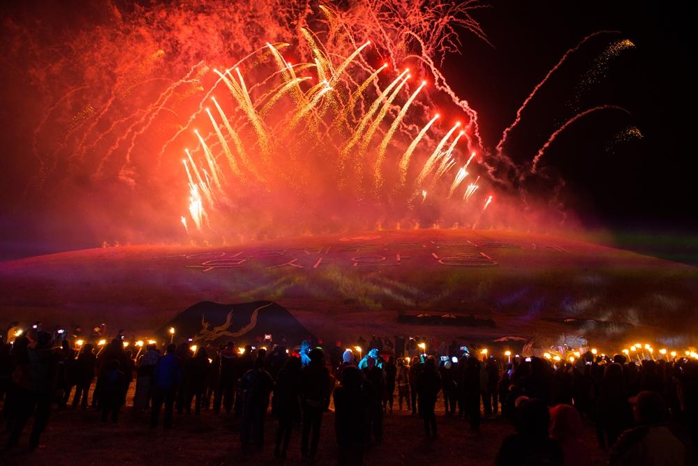 Festival-goers wander at the beauty of the Jeju Fire Festival | © Jeju Tourism Organization