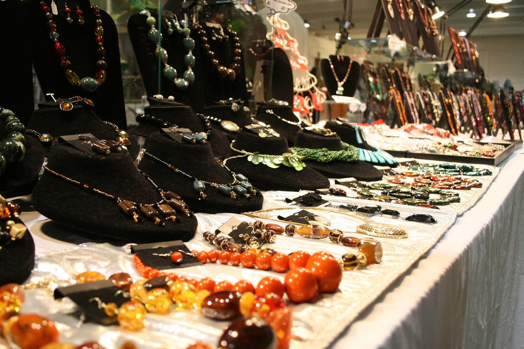 Flea Market Jewelry | Lindsey Turner/Flickr
