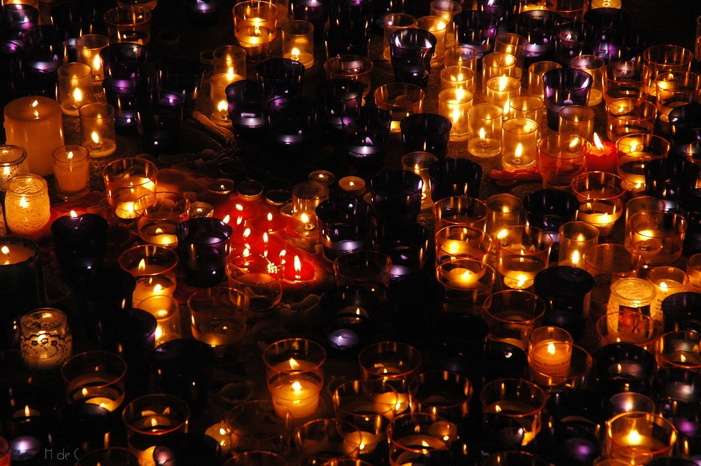 Day of the Little Candles marks the beginning of Christmas celebrations in Colombia on December 7 | © Hugo/Flickr