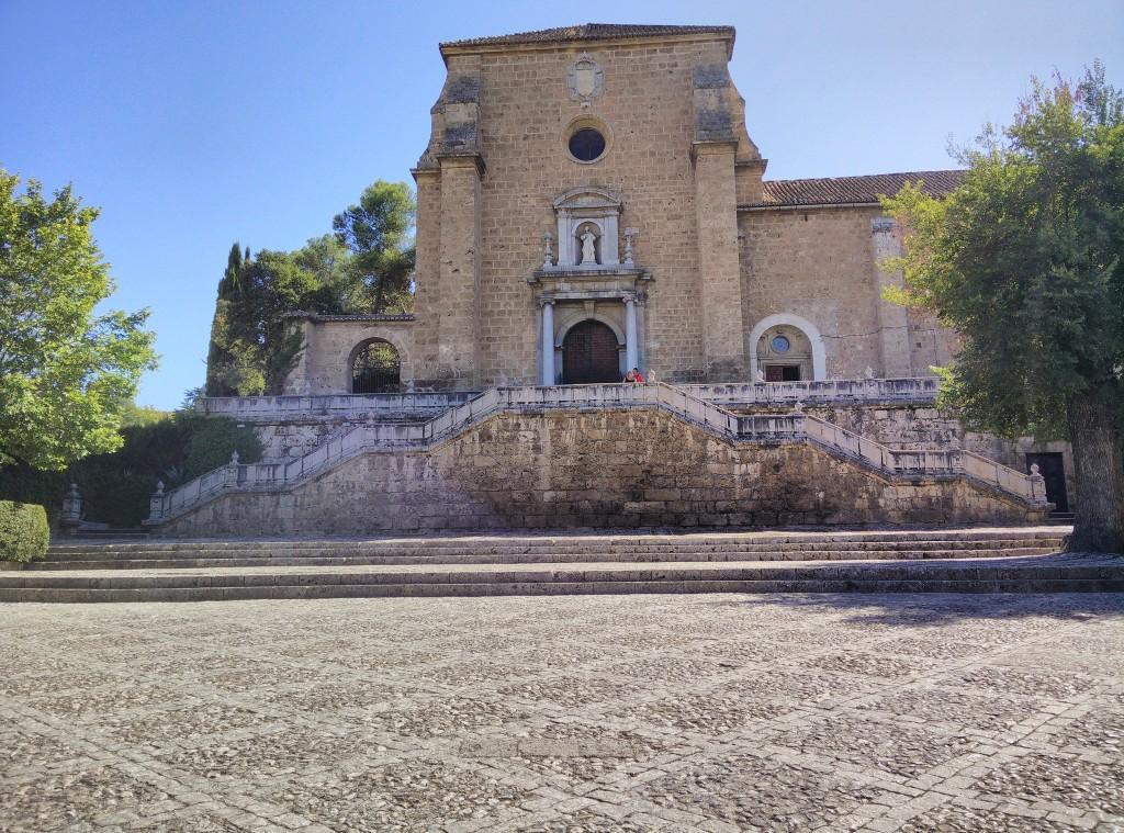 Main entrance to Granada´s Carthusian monastery; Manu Cogolludo Vallejo, flickr