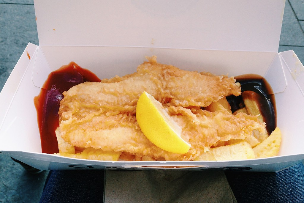 Fish And Chips With Sauce And Ketchup | © Jolene/Flickr
