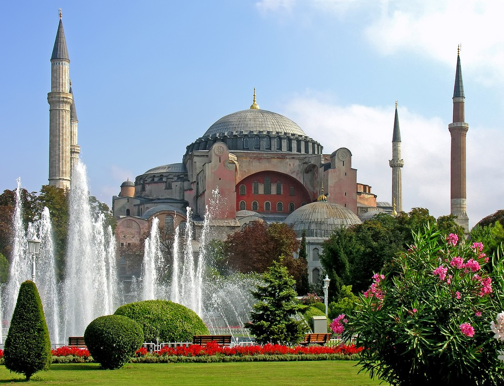 The majestic Hagia Sophia in Istanbul   © Dennis Jarvis/Flickr