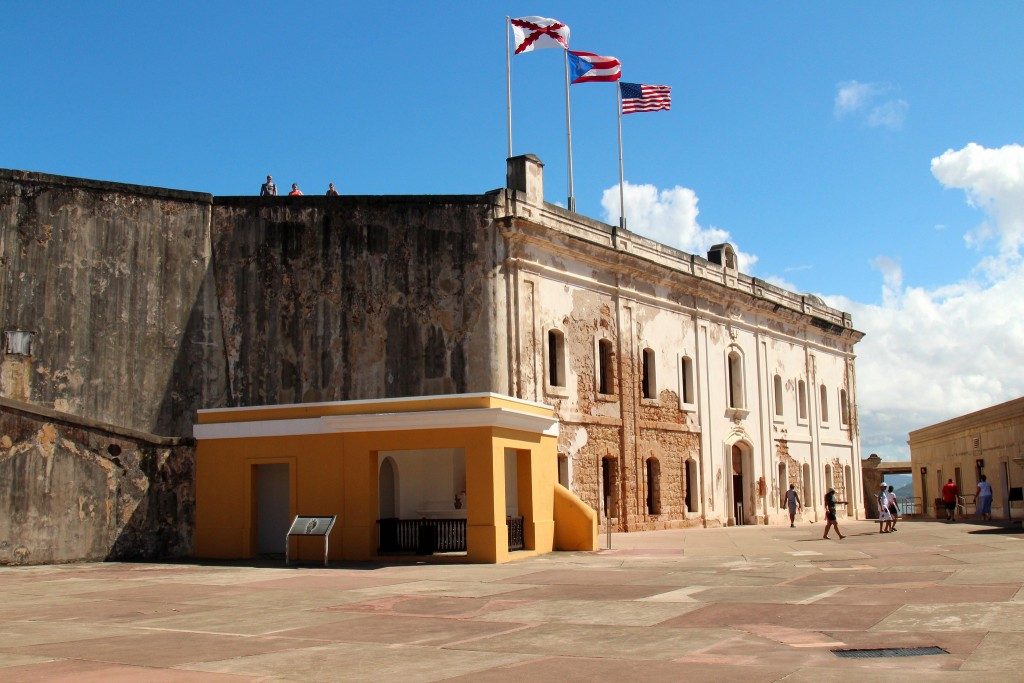Castillo de San Cristobal, Old Town San Juan, Puerto Rico   © Prayitno/Flickr