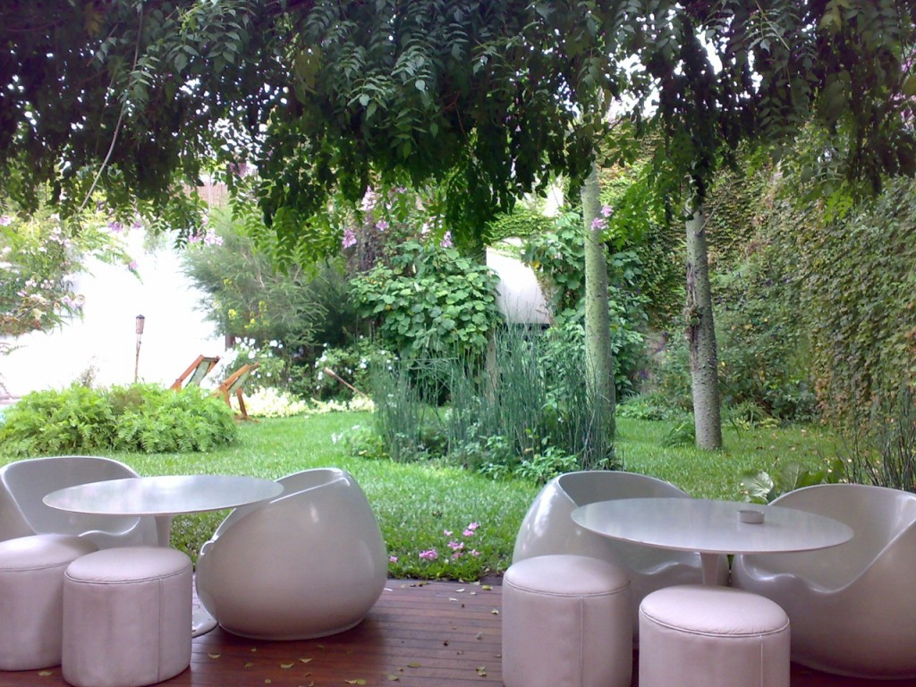 The garden at Home Hotel, Buenos Aires | © operatiecreatie/Flickr