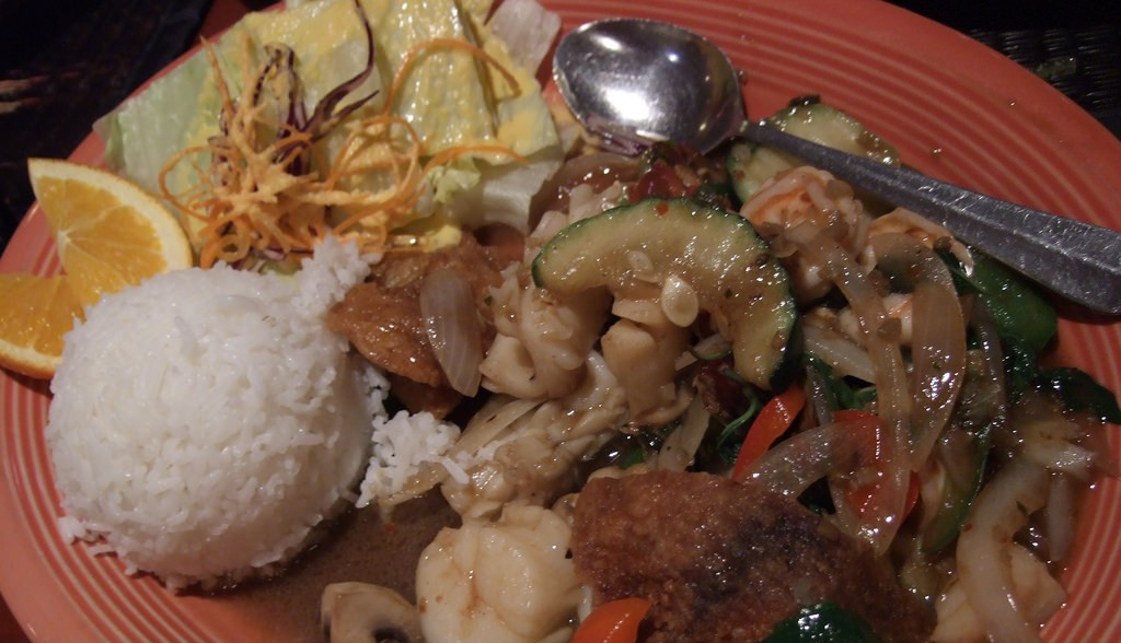 Seafood combo at Montien Thai Restuarant | © Pelican / Flickr