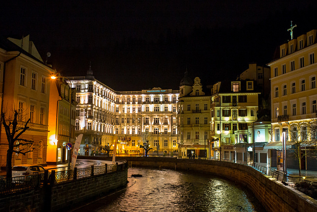 Night view of the canal / ©Roman Boed / Flickr