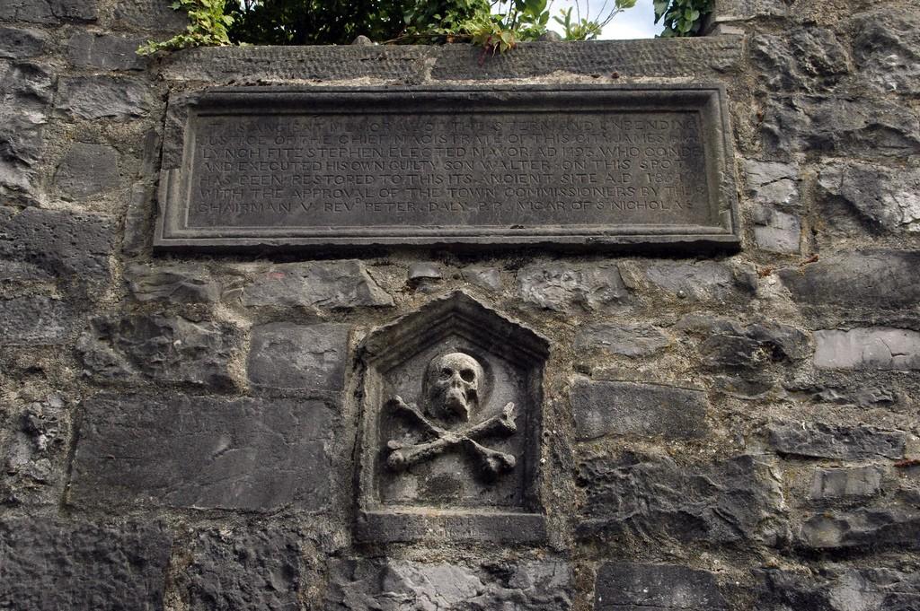 Lynch's Window, Market Street, Galway | © Maureen/Flickr