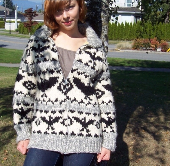 Authentic Cowichan sweater today | © Amy Honey / Flickr
