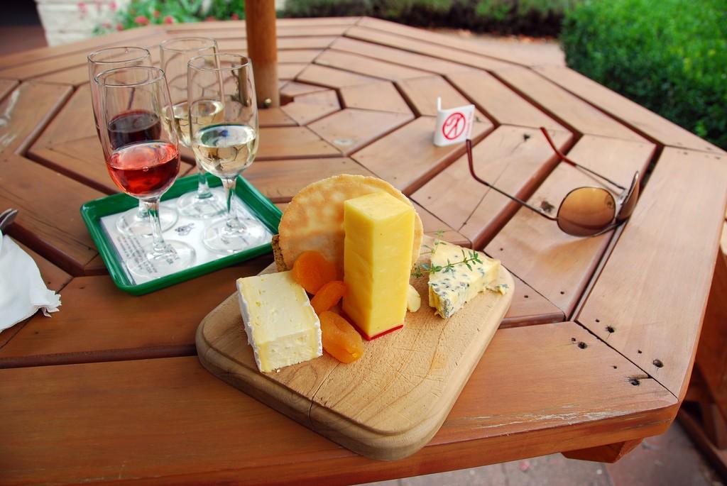 Gibbston Vallery Wine and Cheese, Otago, New Zealand | © Robert Young/Flickr
