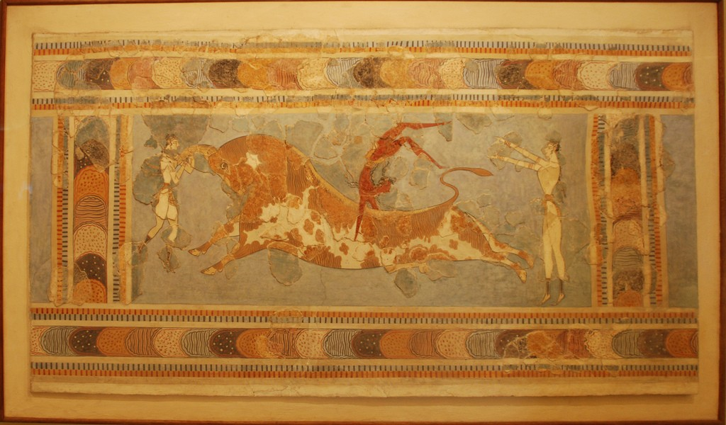 Bull-leaping, fresco from the Great Palace at Knossos, Crete, Heraklion Archaeological Museum |© George Groutas/Flickr