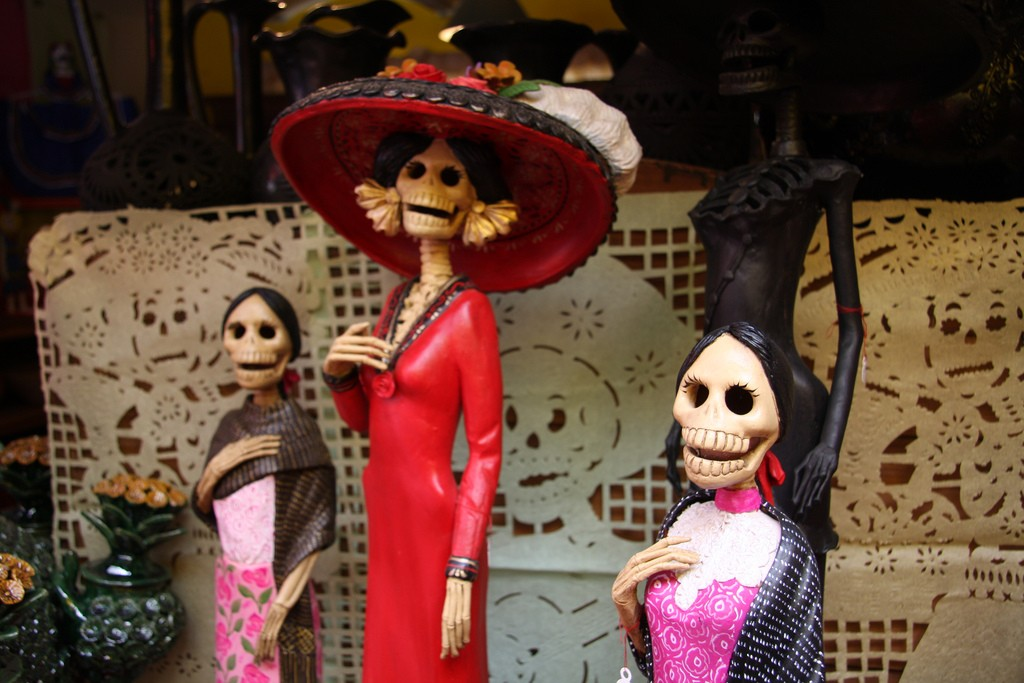 Mexican Figurines|©Scott Clark/Flickr