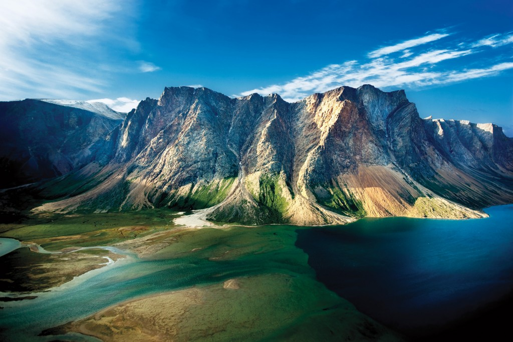 Torngat Mountains' rugged peaks | © Flickr