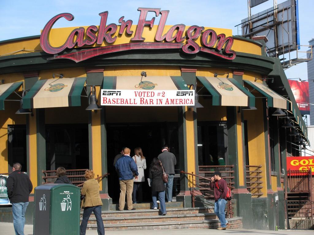 Cask n' Flagon | © rebuildingsince92 / Flickr