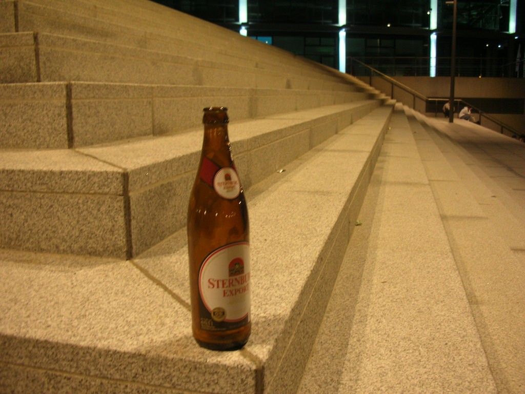 Sterni on the steps, a classic street beer in Berlin | © Mike Waggoner/Flickr