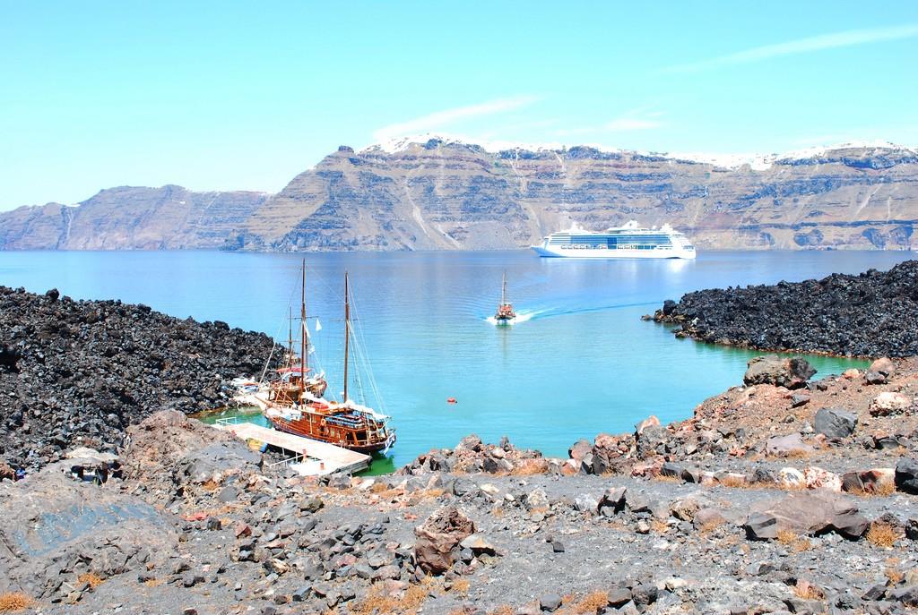 Nea Kameni, Santorini | © Nikos Roussos/Flickr