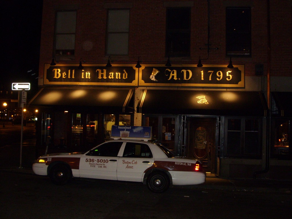 The Bell in Hand Tavern | © Aaron / Flickr