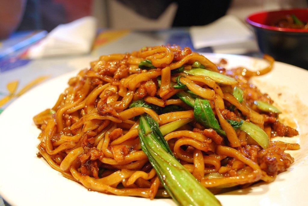 Shanghainese Fried Noodles   ©Alpha/Flickr