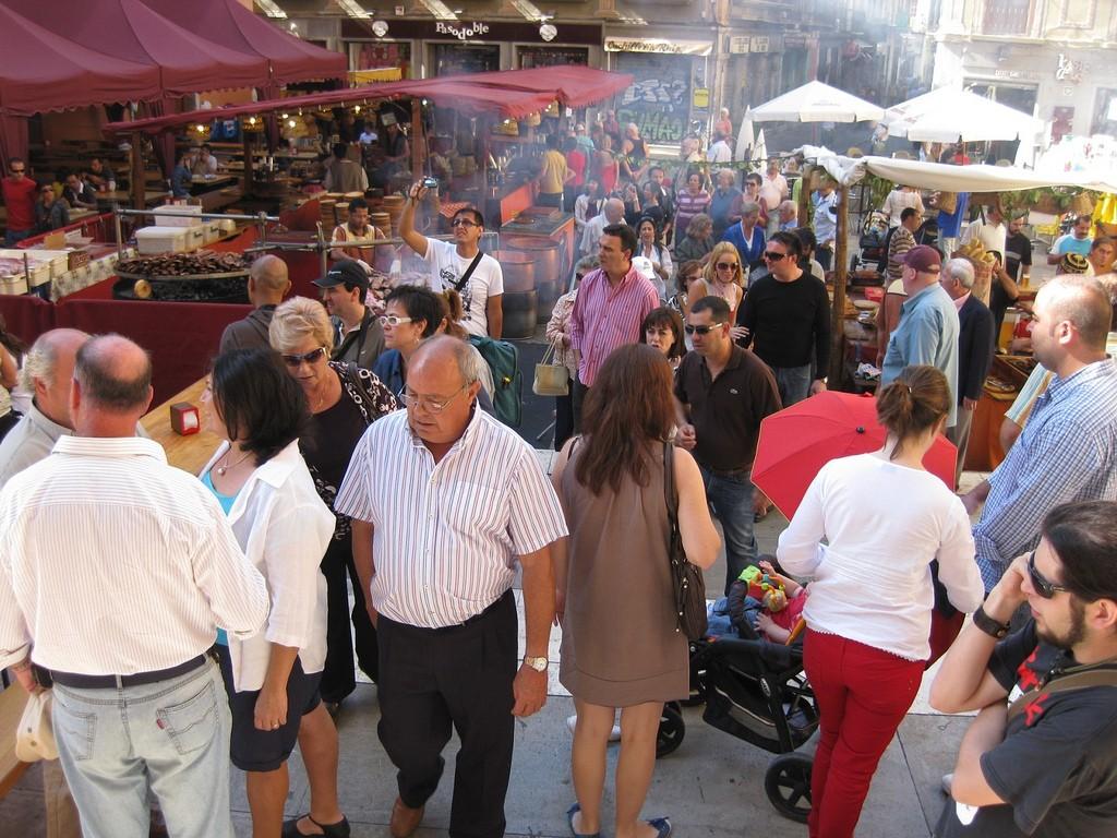 Medieval market in Granada; Jorge Sanz, flickr