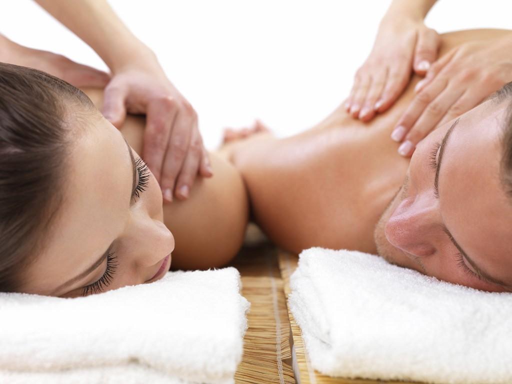 Couple's massage | © Collin Parker / Flickr