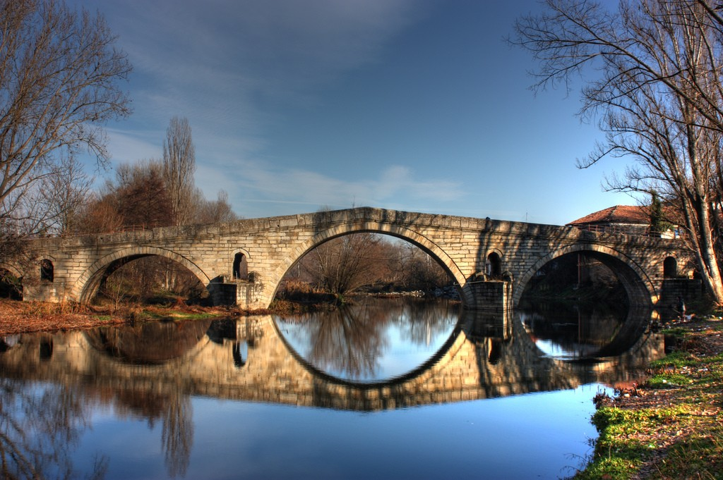 Kadin Bridge in Nevestino I © Klearchos Kapoutsis/Flickr