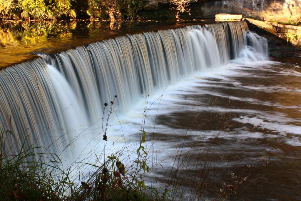 Crammond Waterfalls | © robertsharp/Flickr
