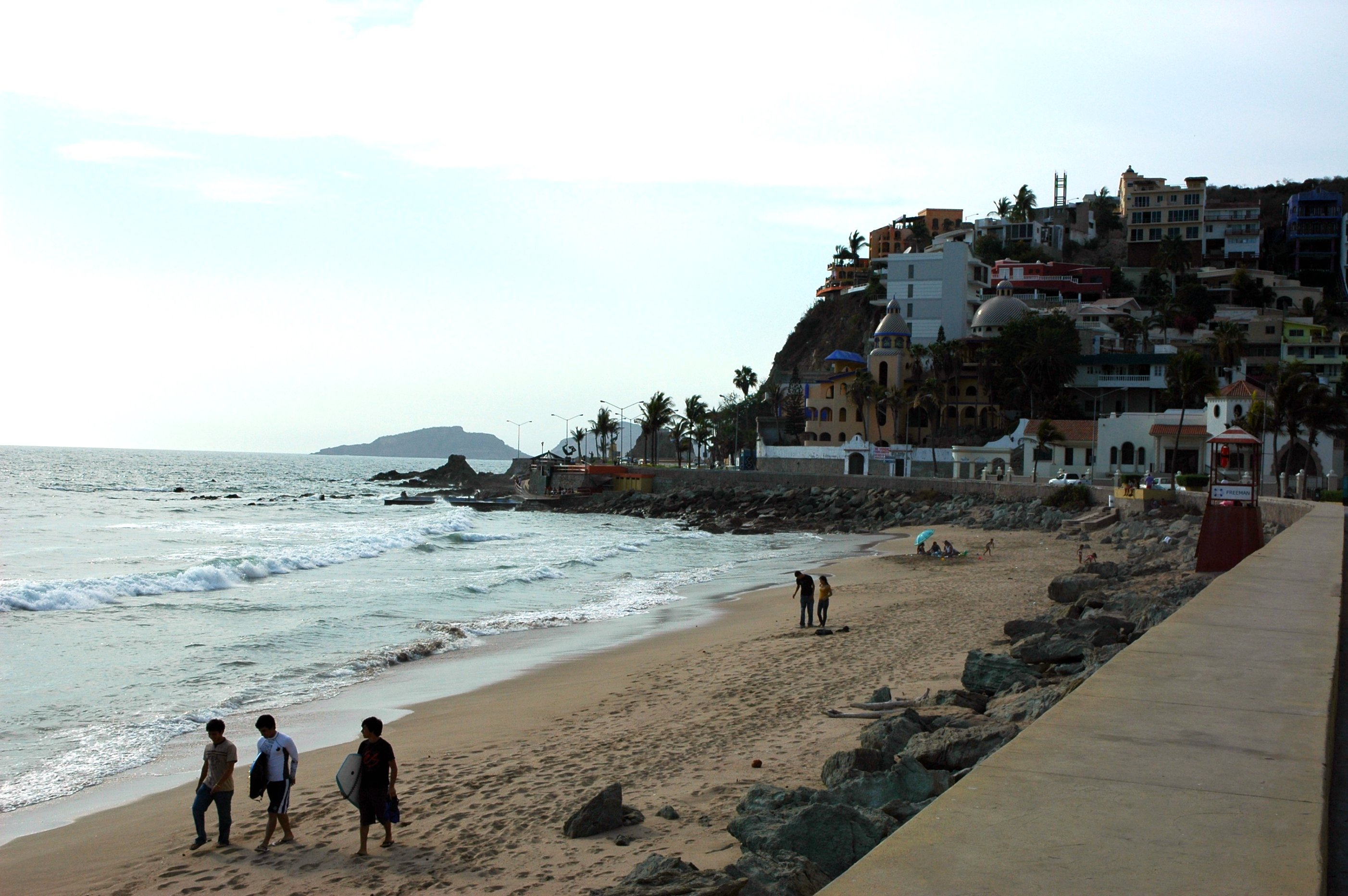 Mazatlán, Sinaloa is great for surf newbies | © Wonderlane/Flickr