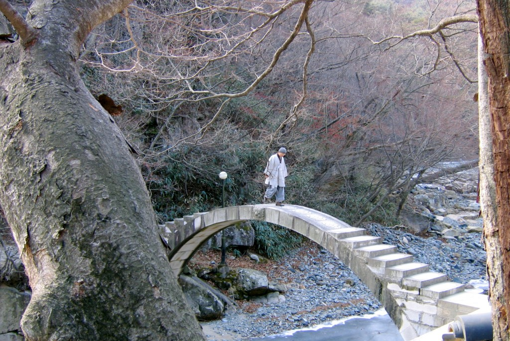 Stone bridge, Tongdo Temple | © Greg Williamson / Flickr