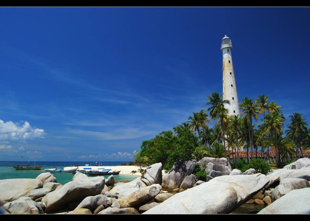 A lighthouse in Belitung | © jeffrey manzini / Flickr